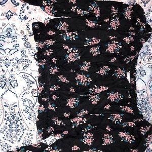 Floral black crop top!